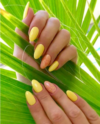 It's time for yellow manicure! Πώς το κίτρινο χρώμα στα νύχια έγινε must