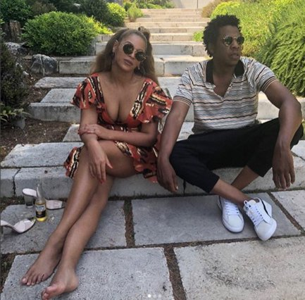 Beyonce: Σπάνια φωτογραφία με τα δίδυμά της -Είναι  φτυστά  ο πατέρας τους