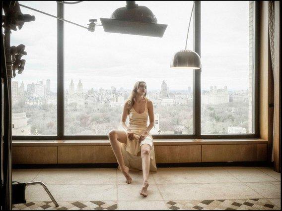Gigi Hadid - Πλούσια και θλιμμένη; Αυτή η φωτογράφισή της το υπονοεί...