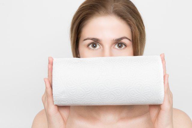 Χαρτί κουζίνας: 5 πράγματα που απαγορεύεται να αγγίξεις με αυτό και γιατί