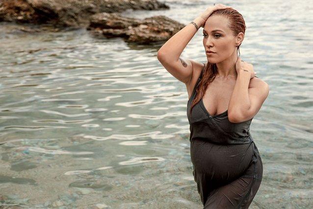 Πηνελόπη Αναστασοπούλου - Φωτογραφίζεται με μαγιό στον 5ο μήνα της εγκυμοσύνης της