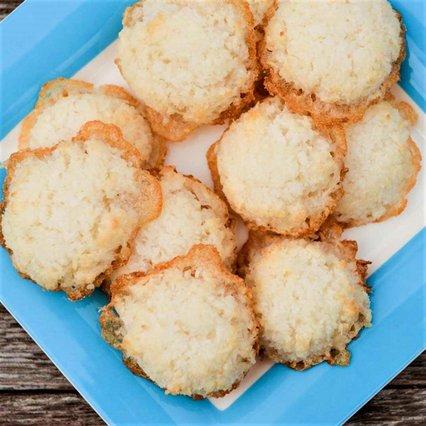 Ό,τι πρέπει για τον πρωινό μας καφέ: Μπισκότα καρύδας με δύο μόνο υλικά