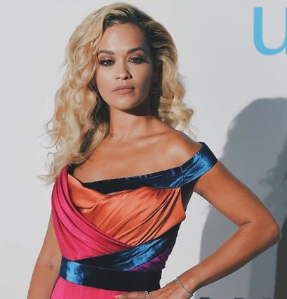 Rita Ora: Το σέξι ατύχημα της σε event στην Ιταλία