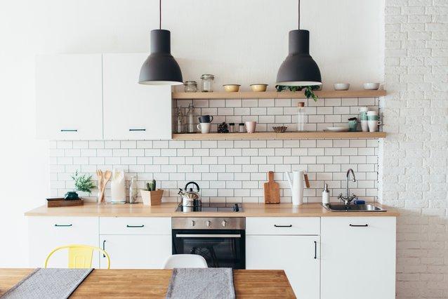 3 τρόποι για καθαρίσεις την κουζίνα ανάλογα με τον χρόνο που διαθέτεις