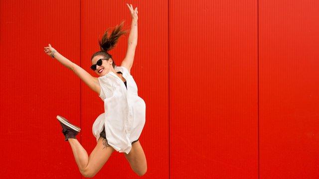 Βαρέθηκες την γκαρνταρόμπα σου; 10 πράγματα που θα την ανανεώσουν... δωρεάν
