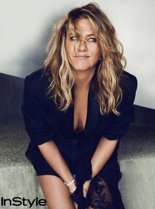 <p>Η Jennifer Aniston ποζάρει στον φακό του Ben Hassett για το In Style Σεπτεμβρίου 2018</p>
