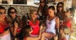 Υβόννη Μπόσνιακ: Με καλτσοδέτα και... περίστροφο η νύφη [photos]