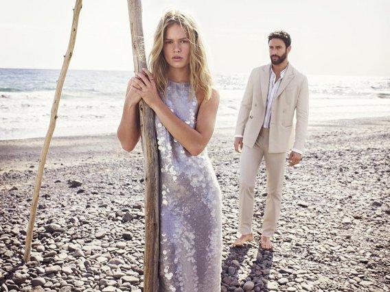 Η τάση που φορούν οι πιο κομψές καλεσμένες στους γάμους της σεζόν