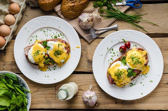 Αυγά Benedict, σαλάτα του Καίσαρα και άλλα... Ξέρεις από πού πήραν το όνομά τους;