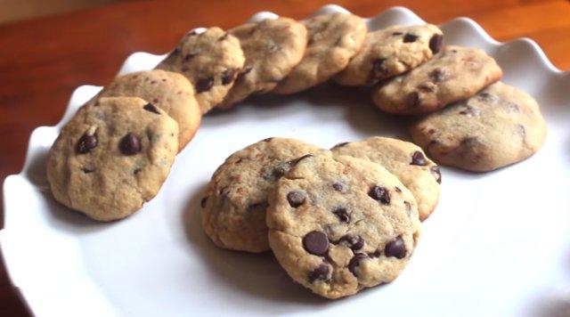 Σήμερα φτιάχνουμε chocolate chip cookies με τον πιο εύκολο τρόπο [video]