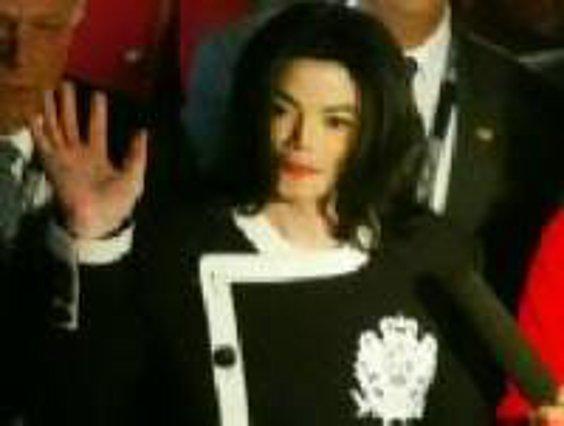 Αθώος, αλλά χρεοκοπημένος ο Τζάκσον!