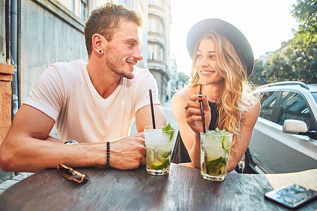 Η ερώτηση που δεν πρέπει να κάνεις ΠΟΤΕ στο πρώτο ραντεβού