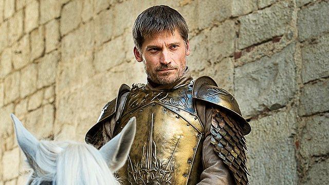 GOT: Έχεις δει την επί 20 χρόνια σύζυγo και τις κόρες του... Jaime Lannister; [photos]
