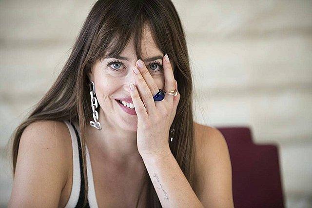 Dakota Johnson: Ξέρεις ποιος διάσημος  πρώην , βραβευμένης με Όσκαρ ηθοποιού είναι ο σύντροφός της;