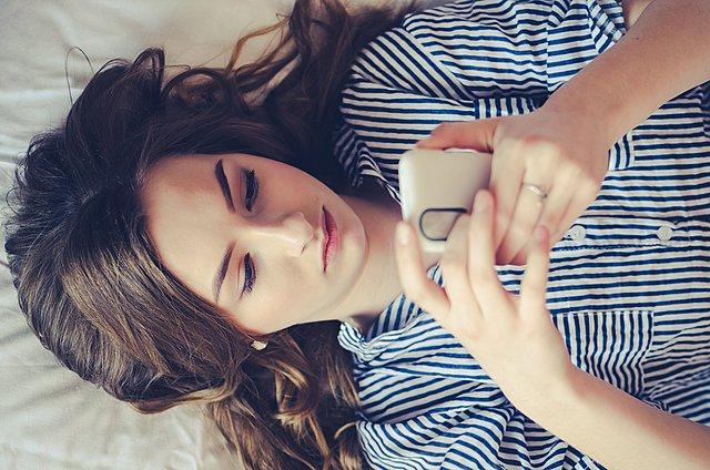 8 καθημερινές συνήθειες που κάνουν κακό στην υγεία των ματιών σου