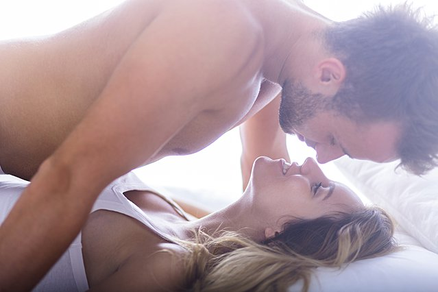 Το πρωινό σεξ κάνει καλό στην υγεία: Ιδού 5 αποδείξεις
