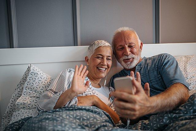 Ημέρα του παππού και της γιαγιάς: Μην αμελήσεις να τους πεις  Σ' αγαπώ