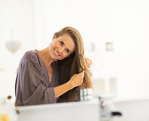 5 τρόποι για να ξυπνήσεις με τέλεια μαλλιά