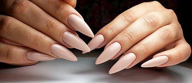 Stiletto nails: Τα τρία χρώματα που αναδεικνύουν το συγκεκριμένο manicure
