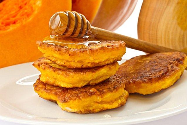 Ό,τι πρέπει για πρωινό! Οι πιο εύκολες τηγανίτες με μέλι ή σοκολάτα