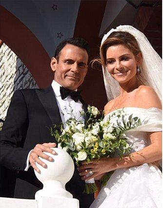 Μαρία Μενούνος: Οι πρώτες φωτογραφίες της νύφης
