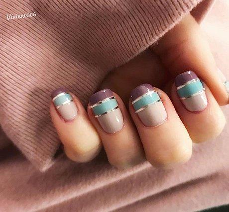 Color blocking nails: Η νέα φθινοπωρινή τάση που στηρίζει και ο Οίκος Moschino