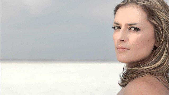 Δόμνα Κουντούρη: Η αλλαγή στην εμφάνιση της και η συγκλονιστική εξομολόγηση! [Video]