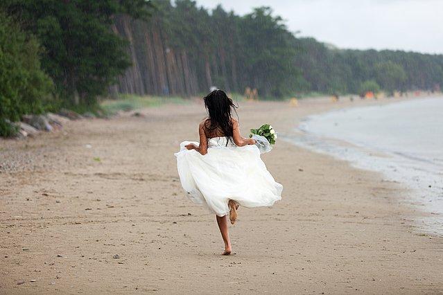 5 ρεαλιστικοί λόγοι για να μην παντρευτείς