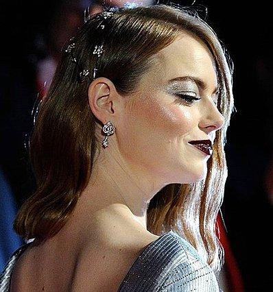 Emma Stone: Εμφανίστηκε με το καλύτερο φθινοπωρινό beauty look