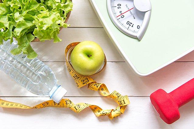 8 συνήθειες που επιβραδύνουν τον μεταβολισμό σου και οδηγούν σε αύξηση του σωματικού βάρους
