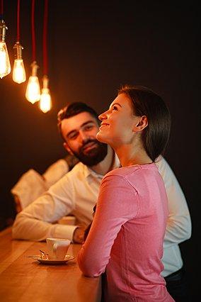 Dating στην Ευρώπη vs εμάς