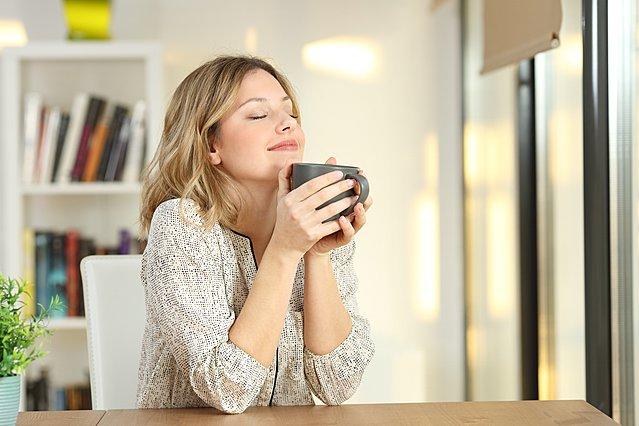 10 μικρές αλλά σημαντικές αλλαγές που μπορούν να σε βοηθήσουν να απαλλαγείς από το άγχος
