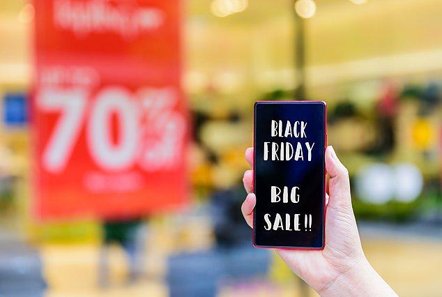 Η Βlack Friday έρχεται μαζί με πανσέληνο κι εσύ πρέπει να προσέξεις 3 πράγματα στις αγορές σου!
