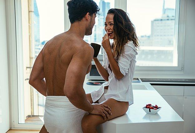 Το πρωινό σεξ κάνει καλό και στη... δουλειά!
