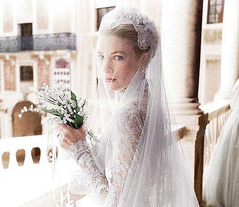 Grace Kelly: Το άγνωστο δεύτερο νυφικό της ήταν ρόζ [photos]