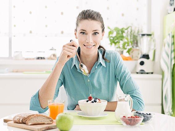 Αν προσπαθείς να χάσεις βάρος θα πρέπει να αποφύγεις αυτές τις 6 πρωτεϊνούχες τροφές