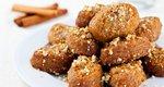 Μελομακάρονα: Η πιο εύκολη συνταγή και το μυστικό της απόλυτης επιτυχίας που βρίσκεται στο... σιρόπι