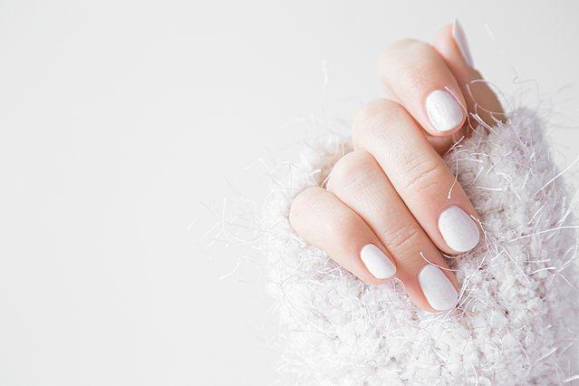 6 φυσικά συστατικά για να κάνεις τα νύχια σου δυνατά και υγιή