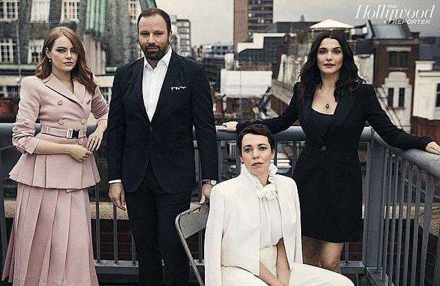 "<p>Ο Γιώργος Λάνθιμος με τις τρεις πρωταγωνίστριές του στο ""The Favourite"": Emma Stone, Olivia Coleman & Rachel Weisz.</p>"