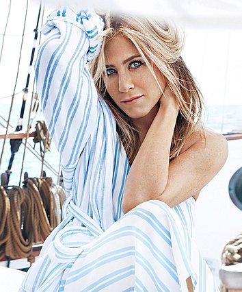 Jennifer Aniston: Τα 4 μυστικά που την κάνουν να δείχνει 20 χρόνια νεότερη