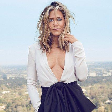 Η Jennifer Aniston αποκαλύπτει τι της αρέσει να κάνει... γυμνή!