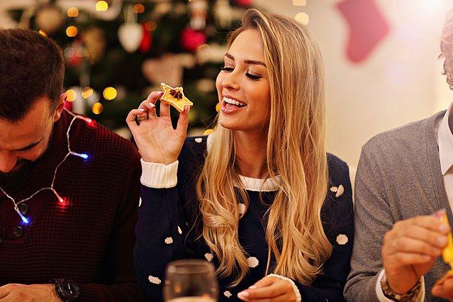 5 συμβουλές για να φας στις γιορτές και να μην το μετανιώσεις!