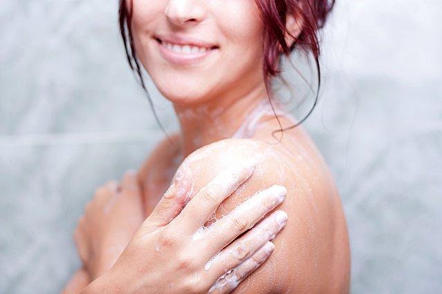 Τι φανερώνει για σένα το μέρος του σώματος σου που πλένεις πρώτο στο ντους