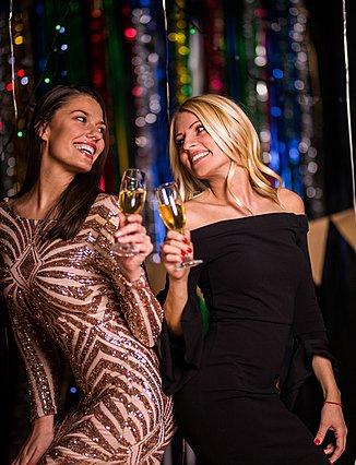 Single τις γιορτές; Να πώς μπορείς να το απολαύσεις στο έπακρο