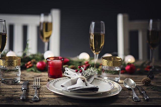 Art de la table: Έτσι θα στρώσεις σωστά το γιορτινό τραπέζι