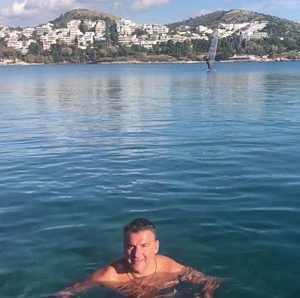Γιώργος Λιάγκας: Τα Χριστούγεννα τον βρίσκουν στη... θάλασσα [video]