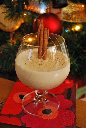 Eggnog: Φτιάξε το πιο γιορτινό ποτό για την Πρωτοχρονιά