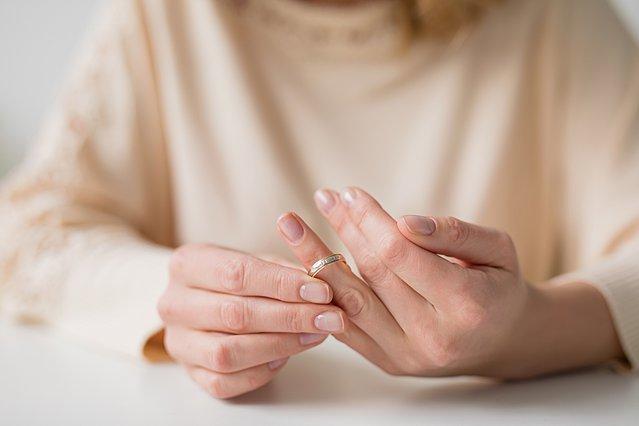 Σκέφτεσαι το διαζύγιο; 9 σημεία που πρέπει να προσέξεις πολύ