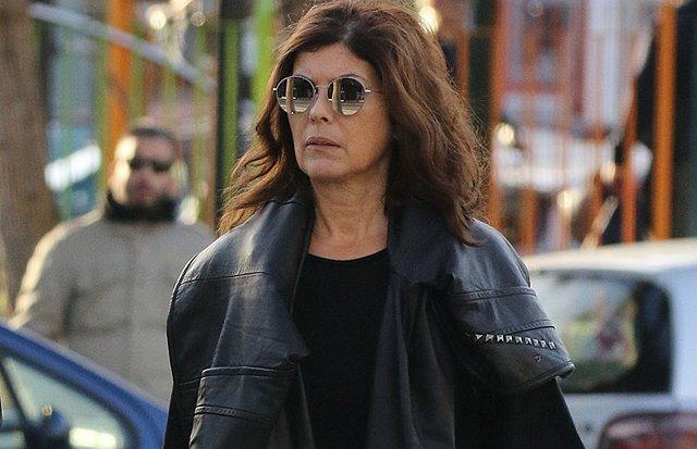 Η Σοφία Αλιμπέρτη σε σπάνια δημόσια εμφάνιση στο κέντρο της Αθήνας! [Φωτογραφίες]