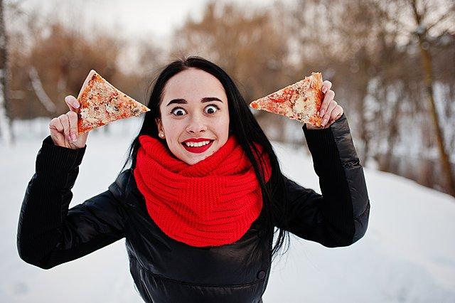Το κρύο ανοίγει την όρεξη, άρα παχαίνει: Έξυπνα κόλπα για να μην πάρεις κιλά τον χειμώνα